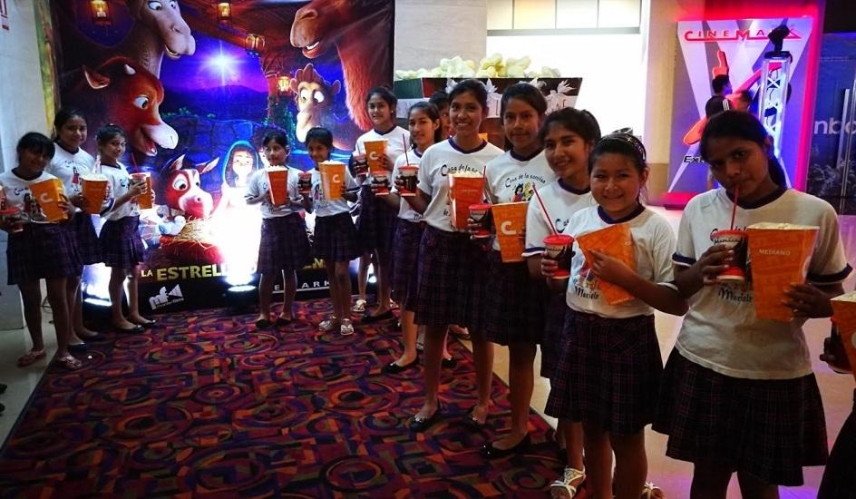 La premier de la La Estrella de Belén iluminó a más 800 niños de ...