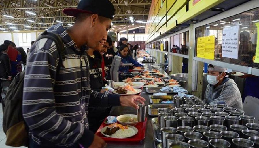 Más de 400 universitarios perdieron la beca comedor de la UMSS, por ...