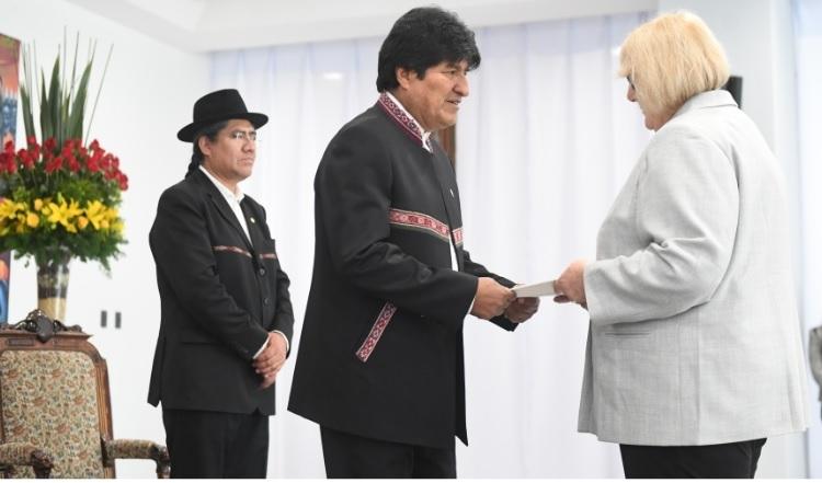 Resultado de imagen para EVO MORALES RECIBE CARTAS CREDENCIALES DE EMBAJADORES DE 11 PAÍSES